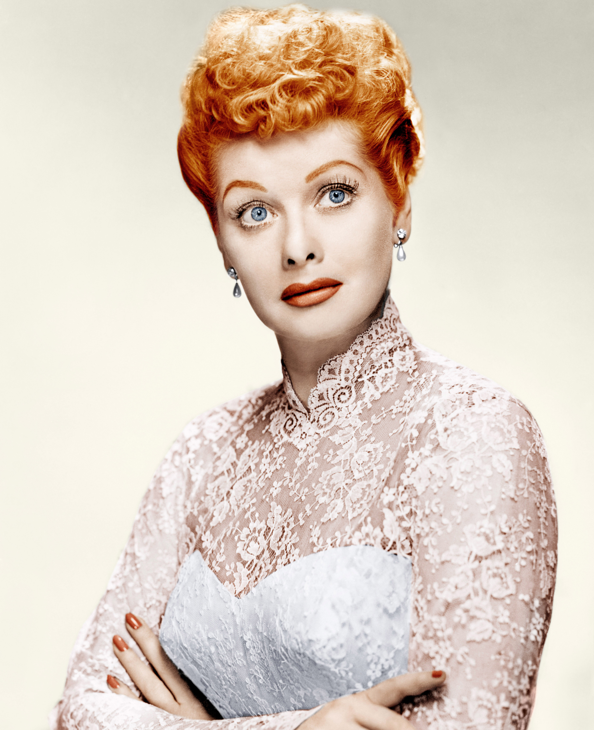 News 2014 01 for Lucille ball wedding dress