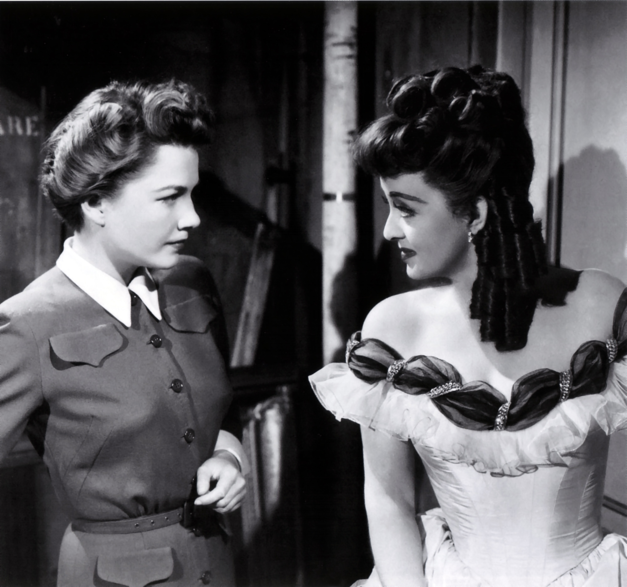 all about eve All about eve 1 overview about the director joseph l mankiewicz (1909–1993) was a successful american film director, screenwriter and producer he is.