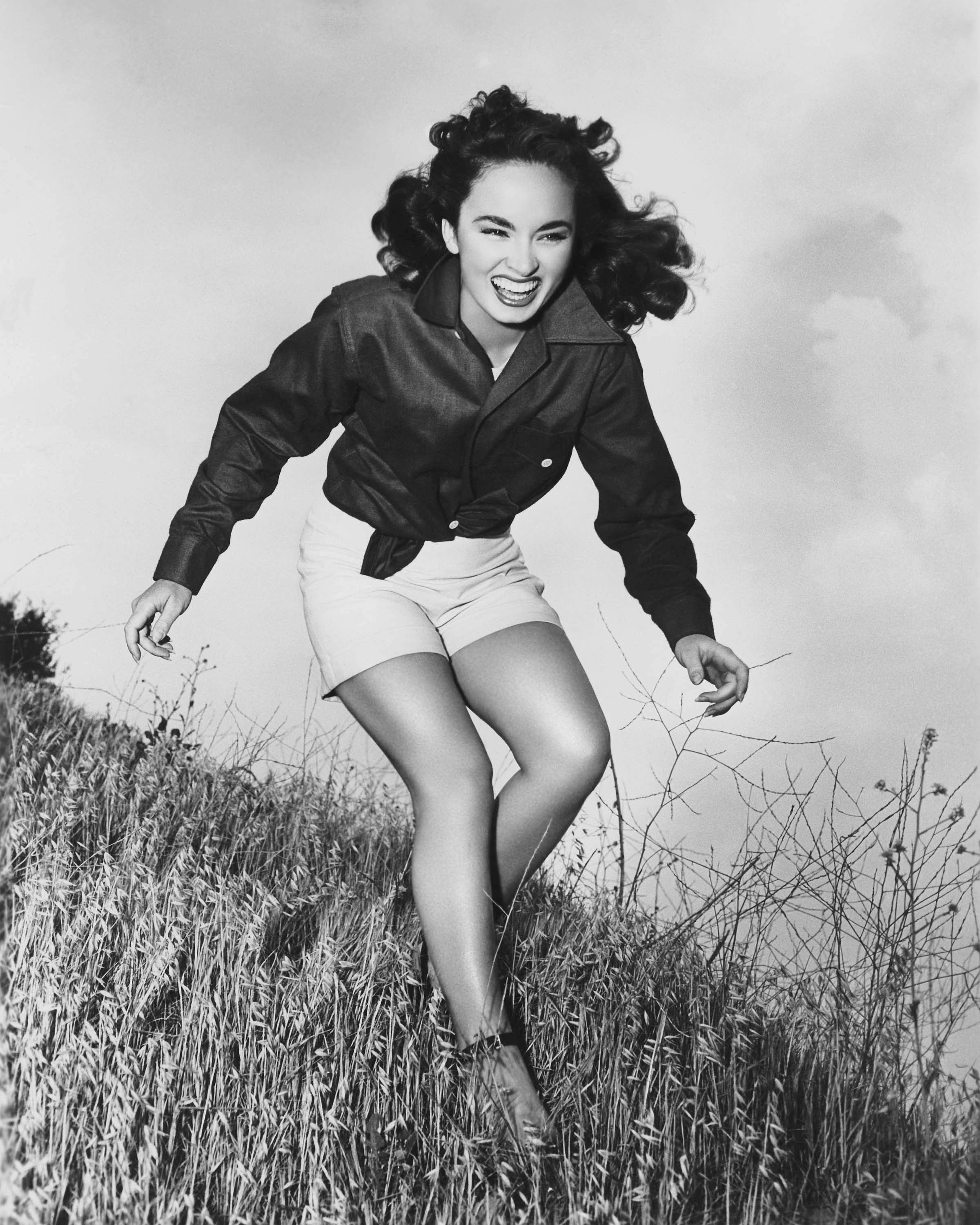 Ann Blyth - Photo Set