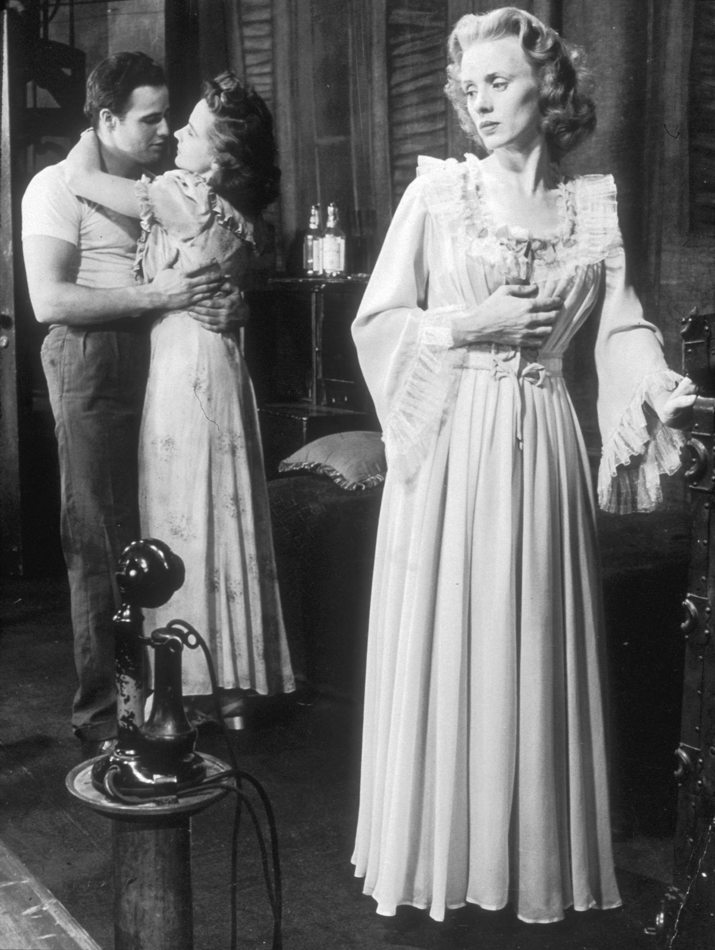 blanche in a streetcar named desire Fitting gassner's definition of a tragic character, blanche dubois in tennessee  william's a streetcar named desire caustically leads herself to her own downfall.