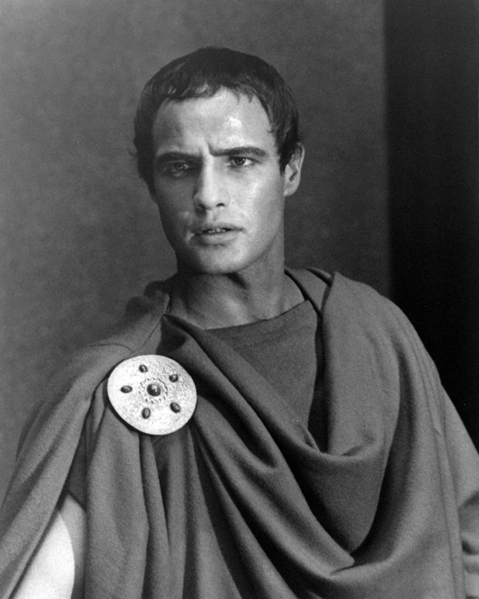an analysis of mark antony in the play the tragedy of julius caesar Shakespeare's play, julius caesar brainstorm from the title: shakespeare's play this exercise is designed to be used before seeing the play learning learning objective:  mark antony strikes a truce with the conspirators, asking to accompany caesar's body and speak at his funeral brutus agrees, and at the funeral delivers a stirring.
