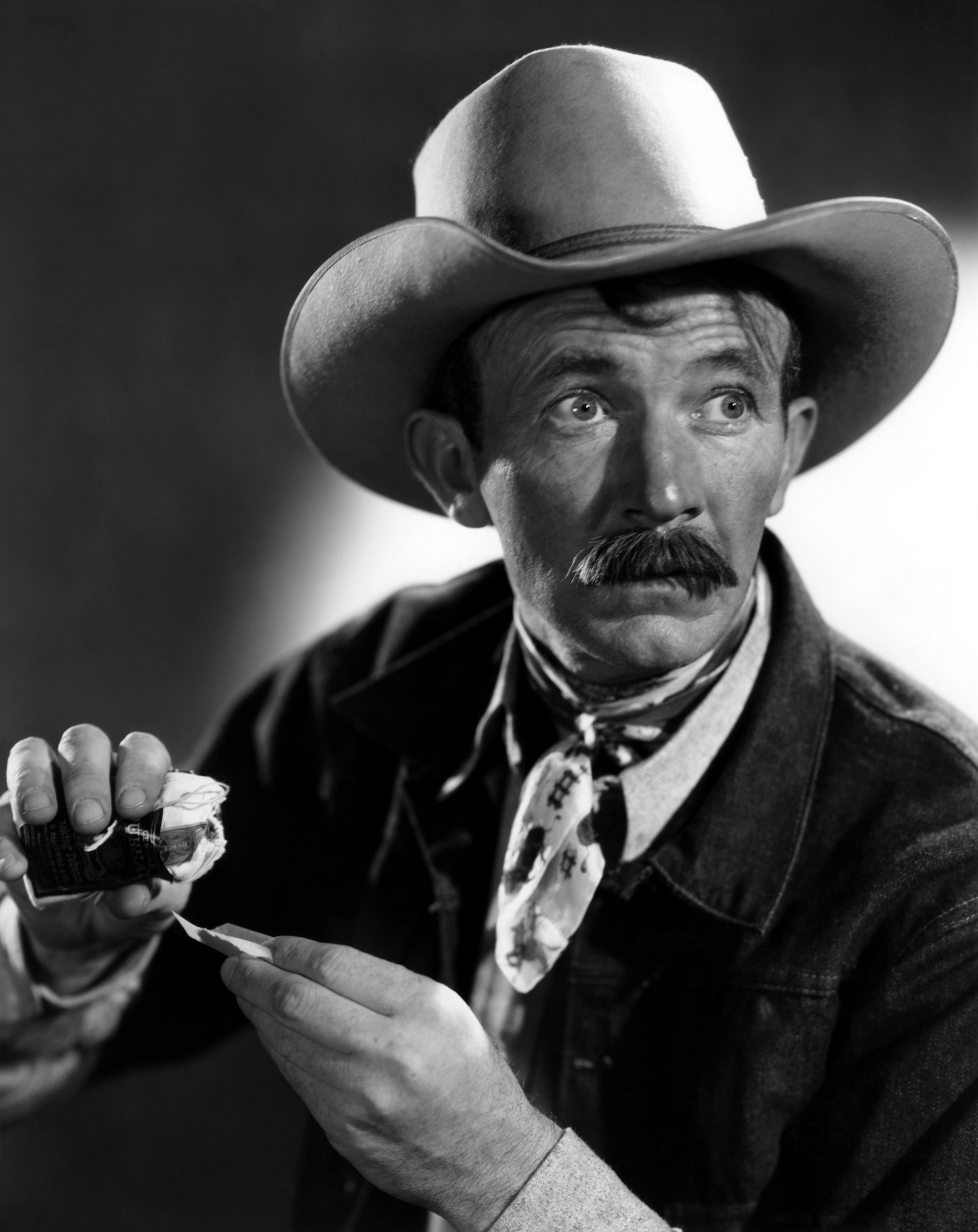 Walter Brennan - Brennan,%20Walter%20(Cowboy%20and%20the%20Lady,%20The)_01