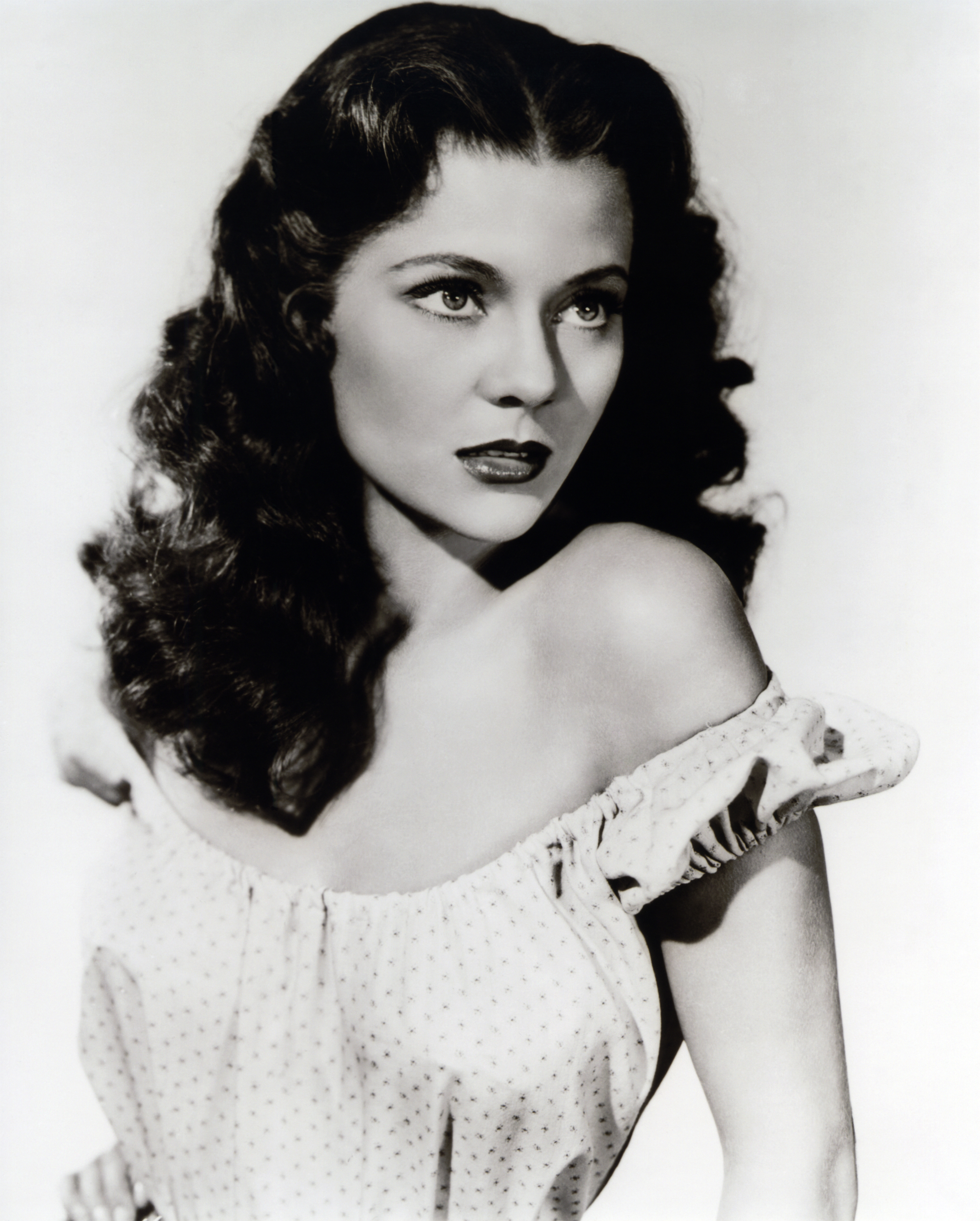 Peggie Castle Net Worth