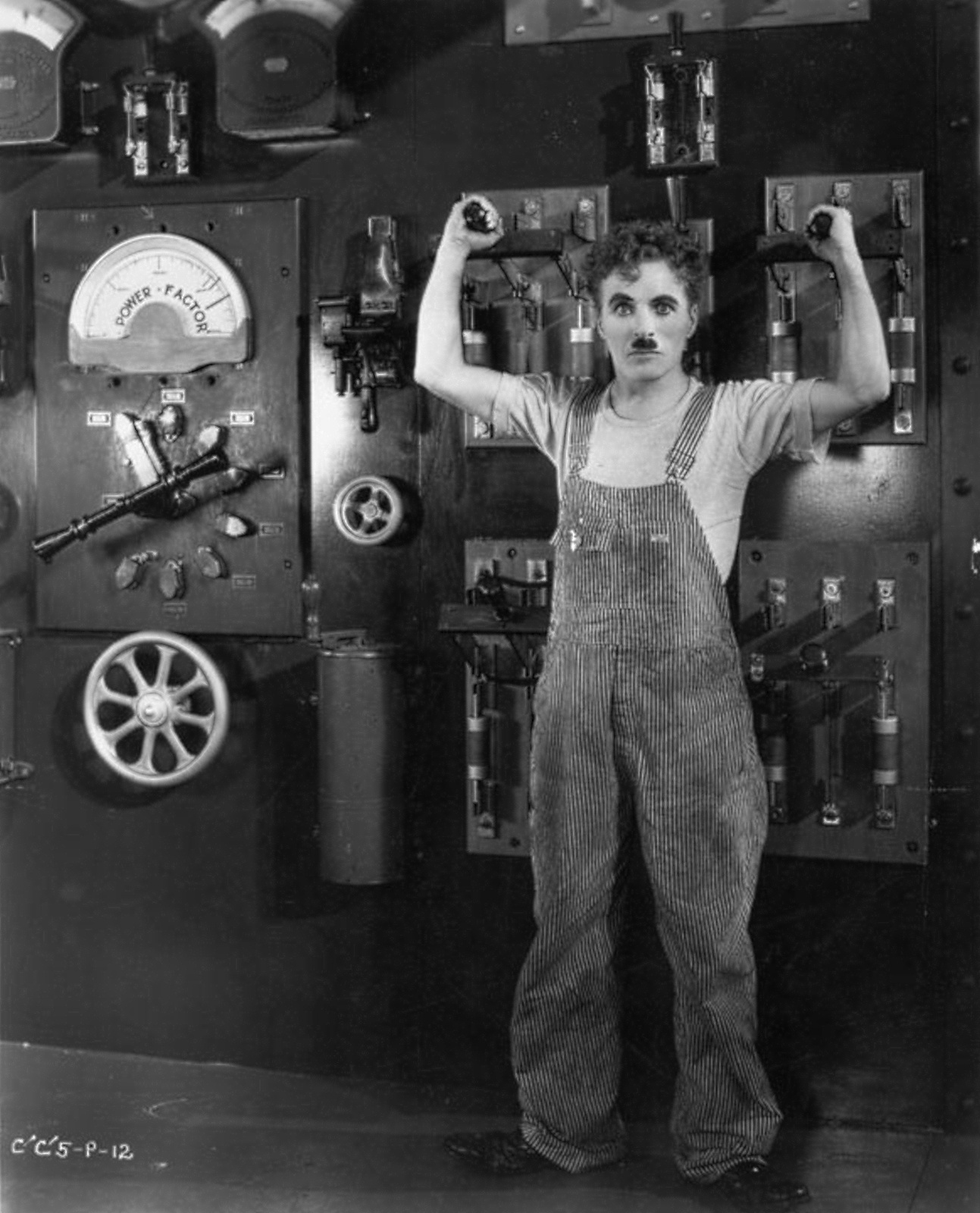 charlie chaplin s modern times movie analysis In the tramp's last great movie, chaplin satirizes film analysis done for charlie chaplin's analysis-done-charlie-chaplin-s-film-modern-times.