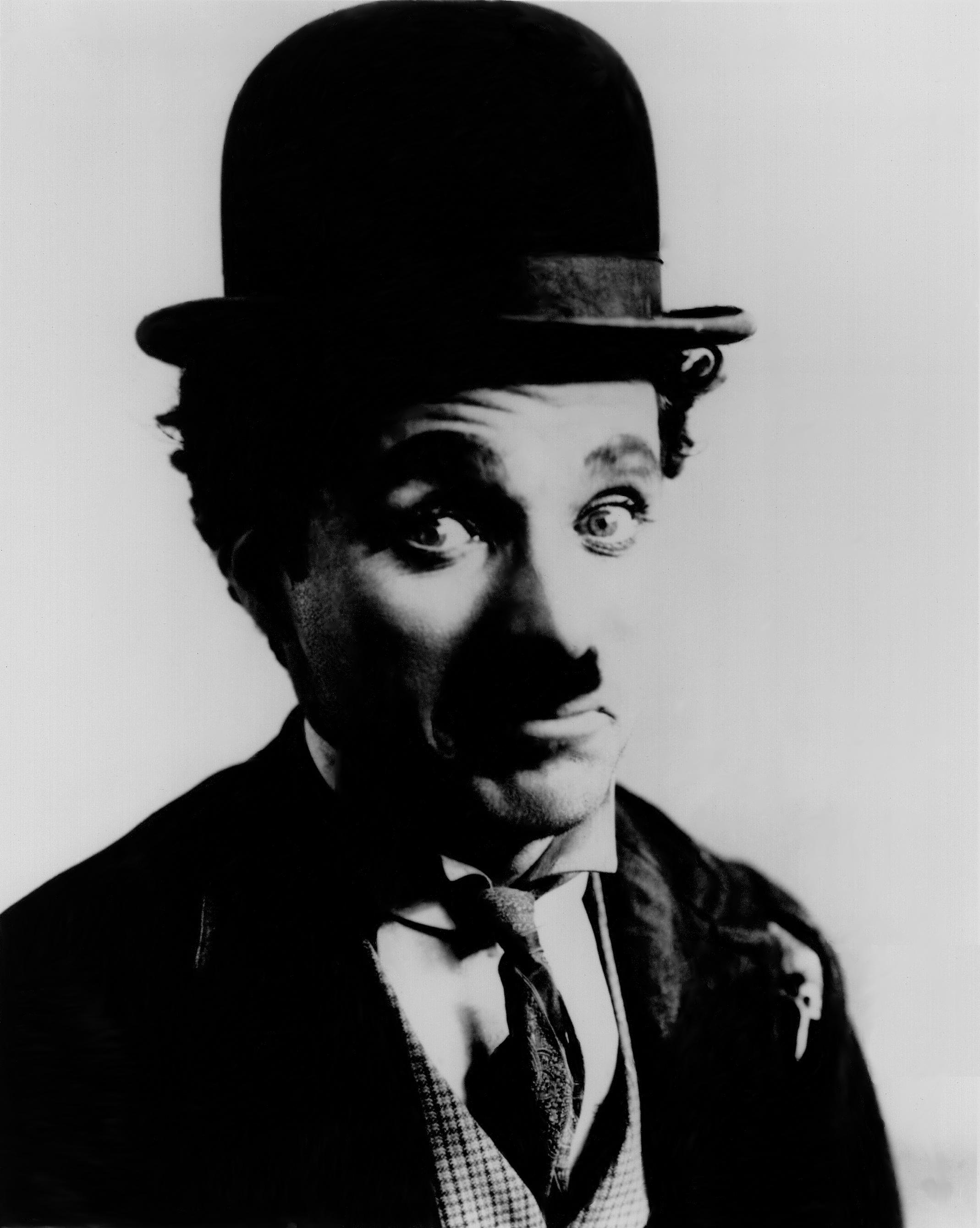 charles chaplin Tumba de charles chaplin el actor charlie chaplin murió en vevey (suiza) el 25 de diciembre de 1977 a los 88 años de edad nació el 16 de abril de 1889,.