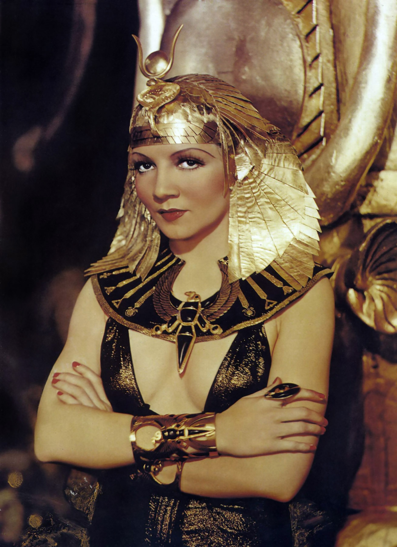 cleoptra s timeline Cleopatra was the last active pharaoh of ptolemaic egypt, briefly survived as pharaoh by her son caesarion after her reign, egypt became a province of the recently established roman empire.