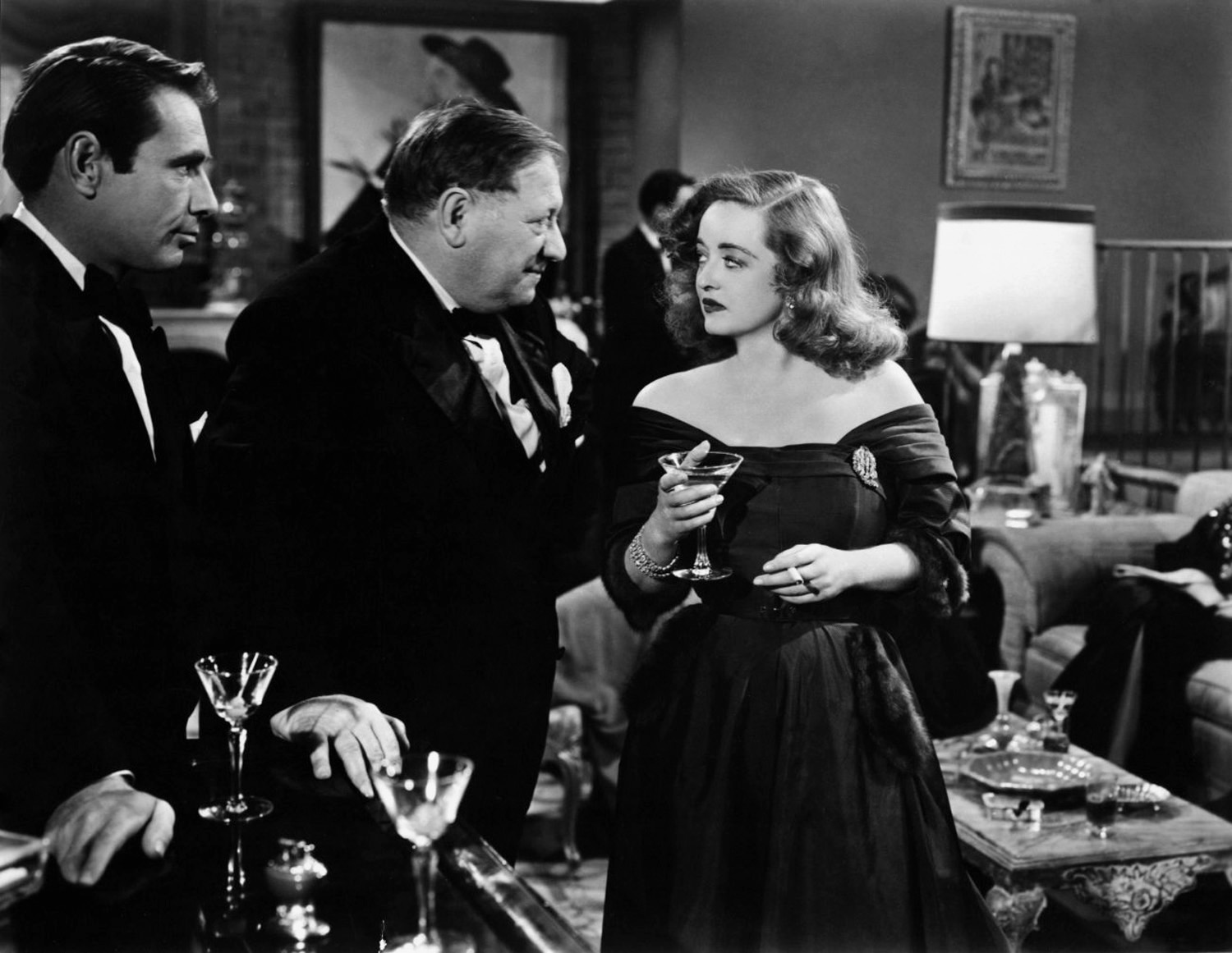 movie all about eve All about eve is a movie that i firmly believe deserves every accolade it's  received over the years while there is no shortage of acclaim for its.