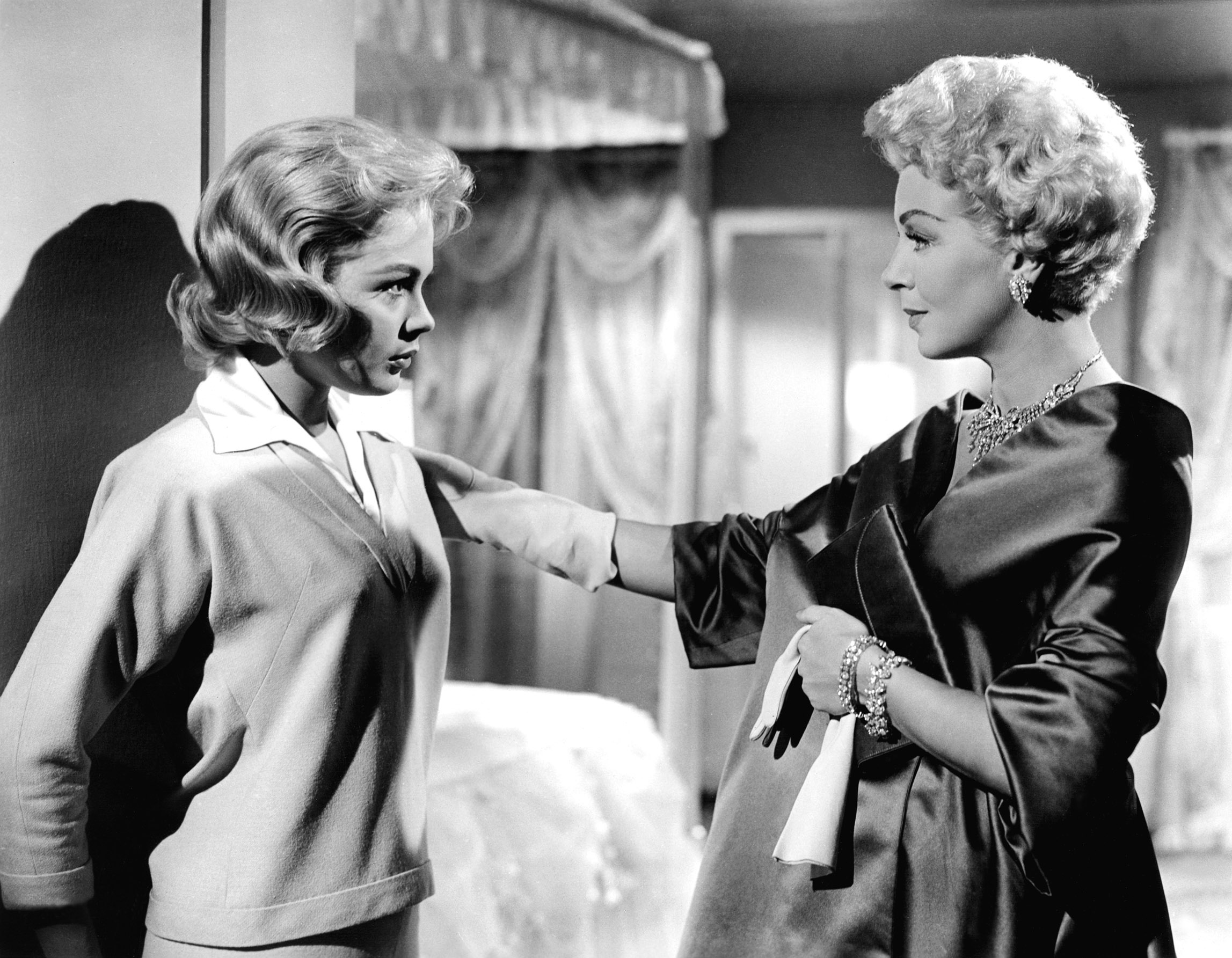 the imitation of life Imitation of life has 240 ratings and 39 reviews graceann said: if you haven't  seen either the 1934 or 1959 versions of imitation of life, this review w.