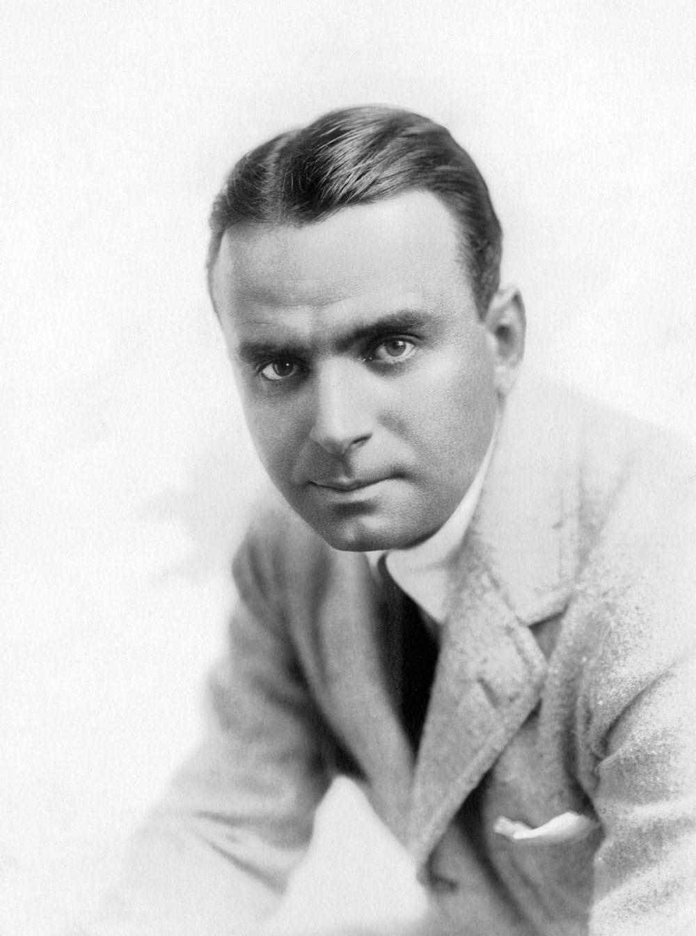 Douglas Fairbanks Sr NRFPT - 1920'S Hairstyles
