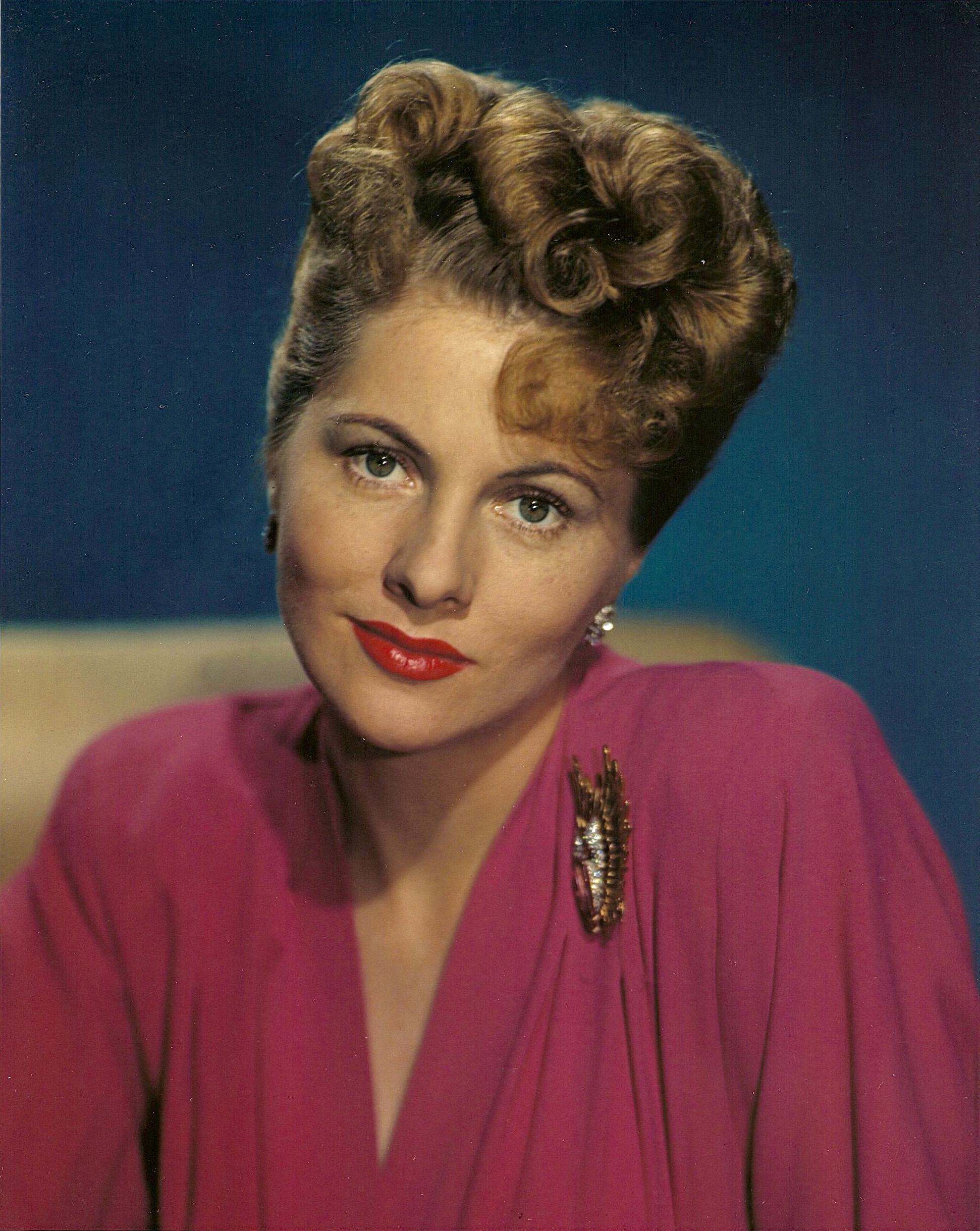 Joan fontaine nrfpt for Joan fontaine and olivia de havilland feud