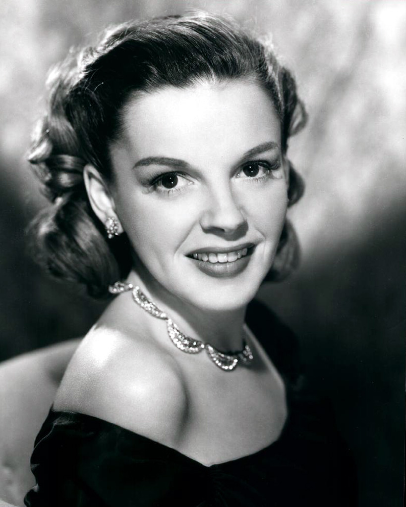 a biography of judy garland frances gumm an american actress Judy garland (born frances ethel gumm  june 10, 1922 – june 22, 1969) was an american singer, actress, and vaudevillian she was renowned for her contralto vocals [2] [3] and attained international stardom that continued throughout a career spanning more than 40 years as an actress in musical and dramatic roles, as a recording artist, and on concert stages.