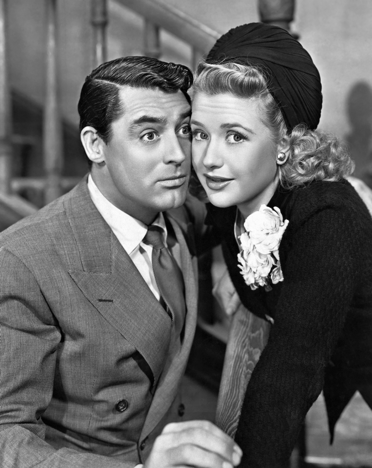 a review of the movie arsenic and old lane Arsenic & old lace -- ivoryton autumn sonata  pianist of willesden lane music theater of connecticut  review of hso's broadway concert.