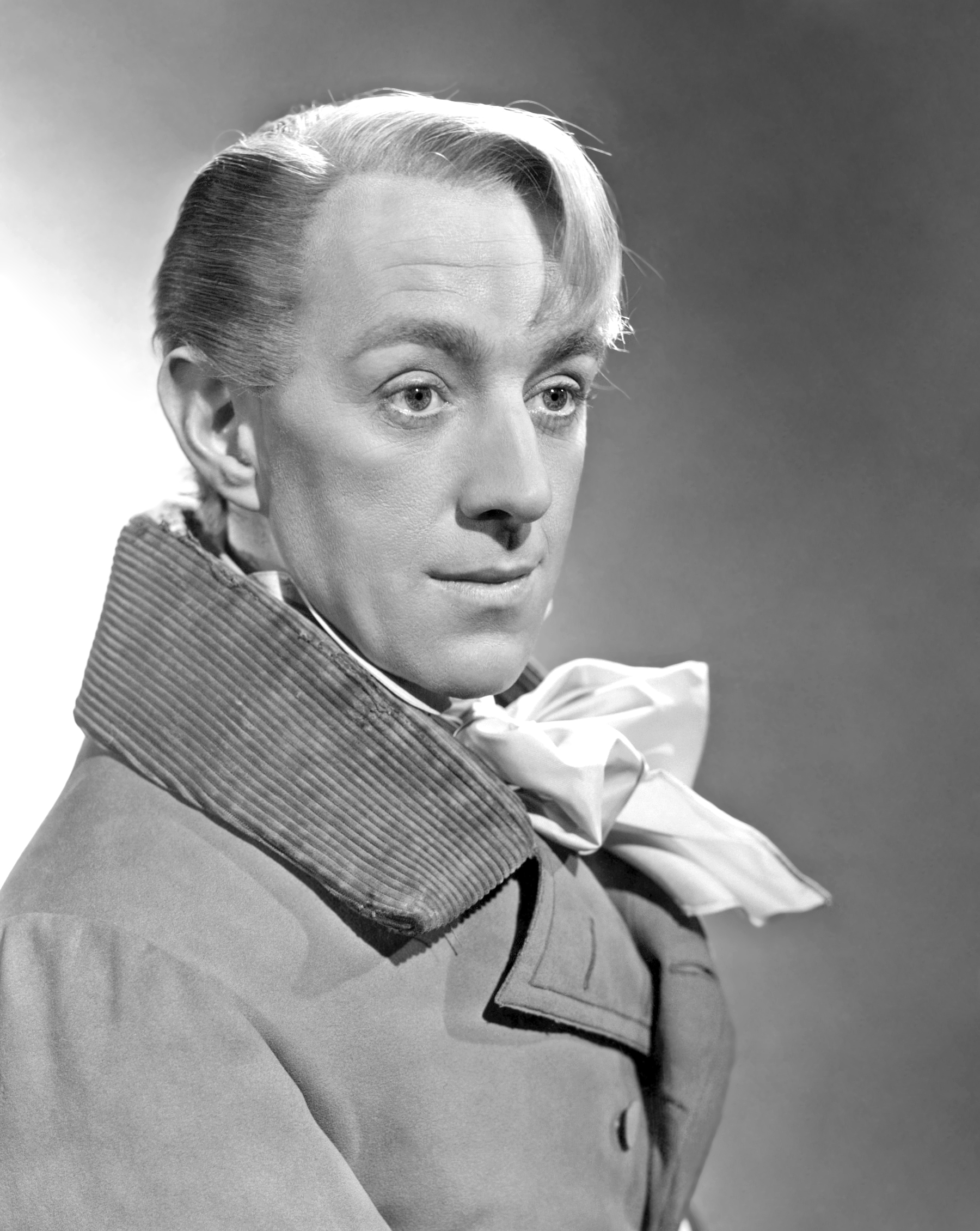 alec guinness star warsalec guinness as fagin, alec guinness rey, alec guinness biography, alec guinness star wars, alec guinness young, alec guinness death, alec guinness genuine class, alec guinness net worth, alec guinness wikipedia, alec guinness height, alec guinness ww2
