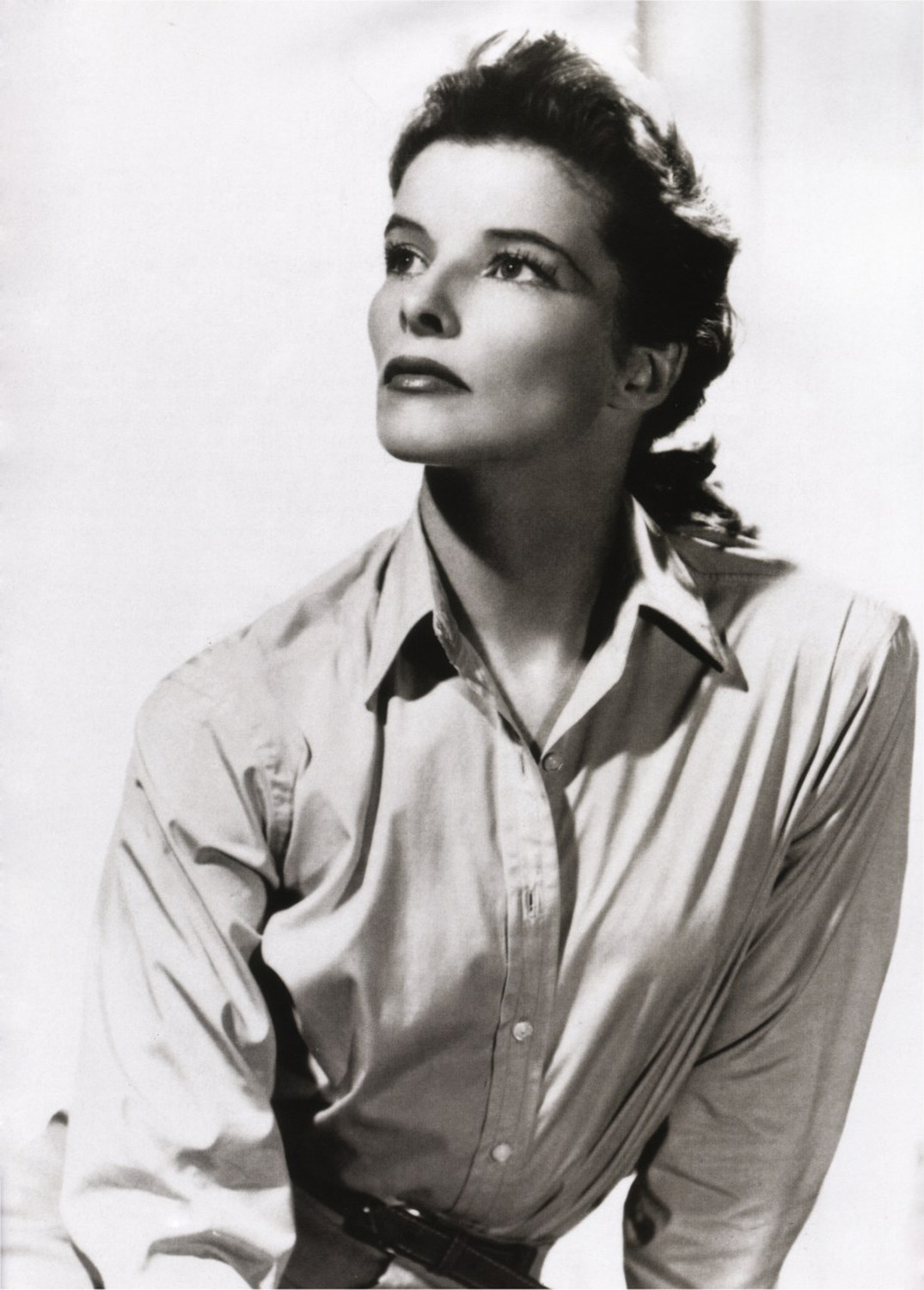 katherine hepburn In celebration of the kent state museum's 25th-anniversary year, katharine hepburn: dressed for stage and screen features costumes from her films and.