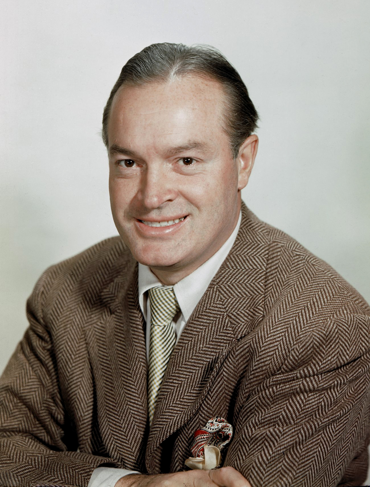 bob hope Prompted by patriotism and vaudevillian wanderlust, bob hope toured the variety show for more than fifty years to entertain us troops wherever they were stationed.