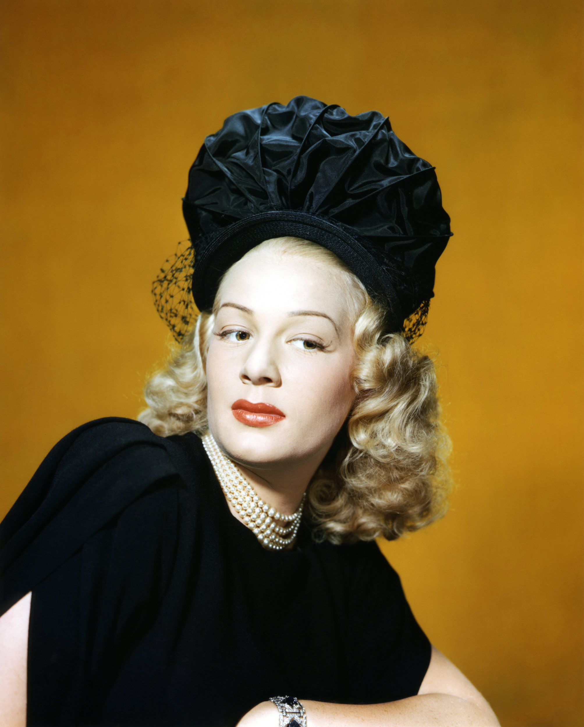 betty hutton he's a demon lyrics