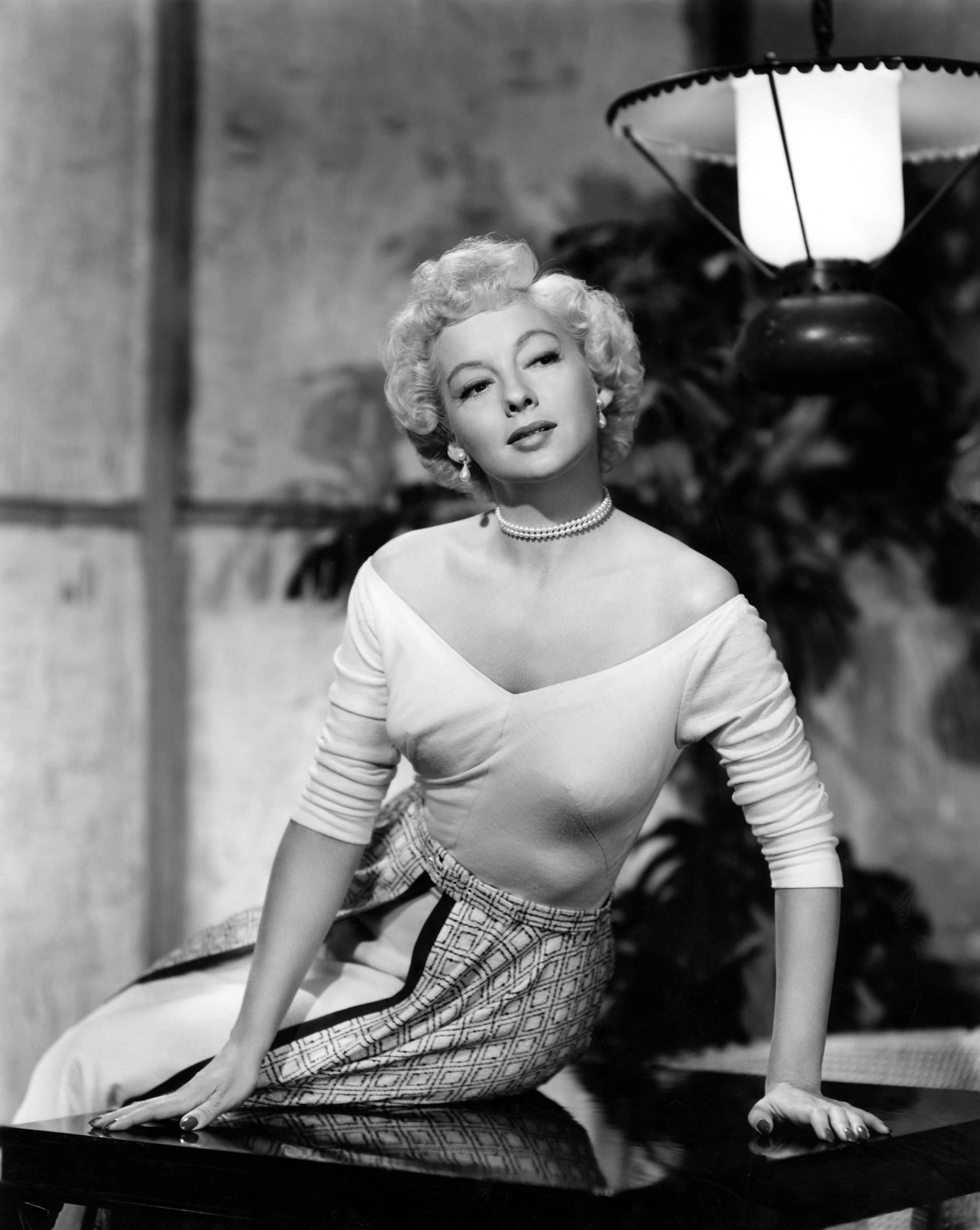 Evelyn Keyes Evelyn Keyes new picture