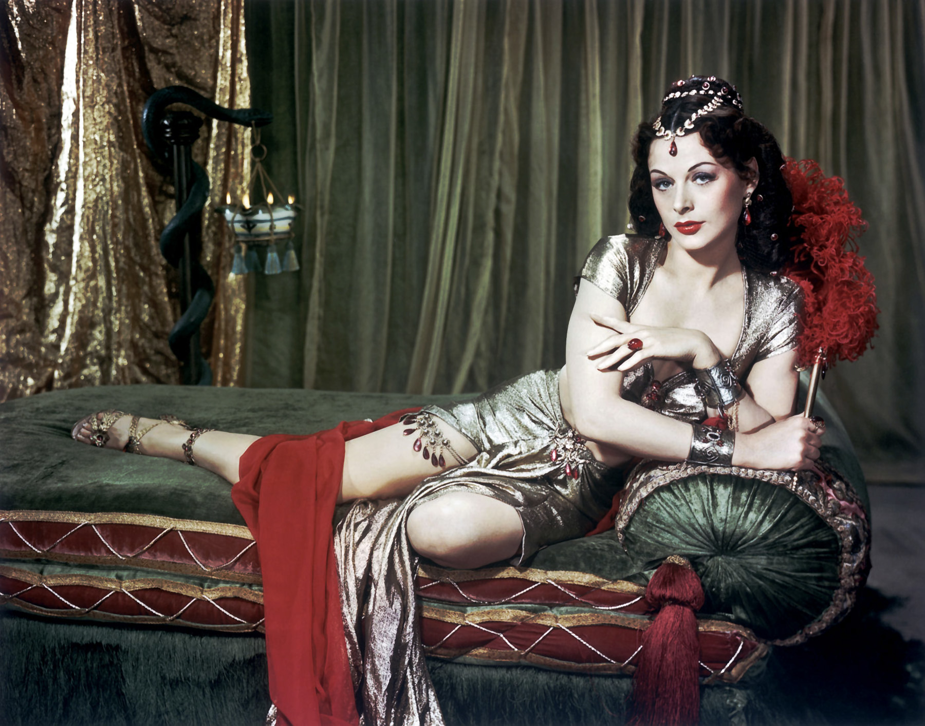 http://www.doctormacro.com/Images/Lamarr,%20Hedy/Annex/Annex%20-%20Lamarr,%20Hedy%20(Samson%20and%20Delilah)_02.jpg