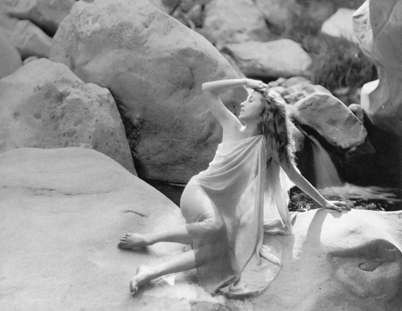 Eden Hartford,Chen Sisi Erotic clips Wiska,Katy Selverstone
