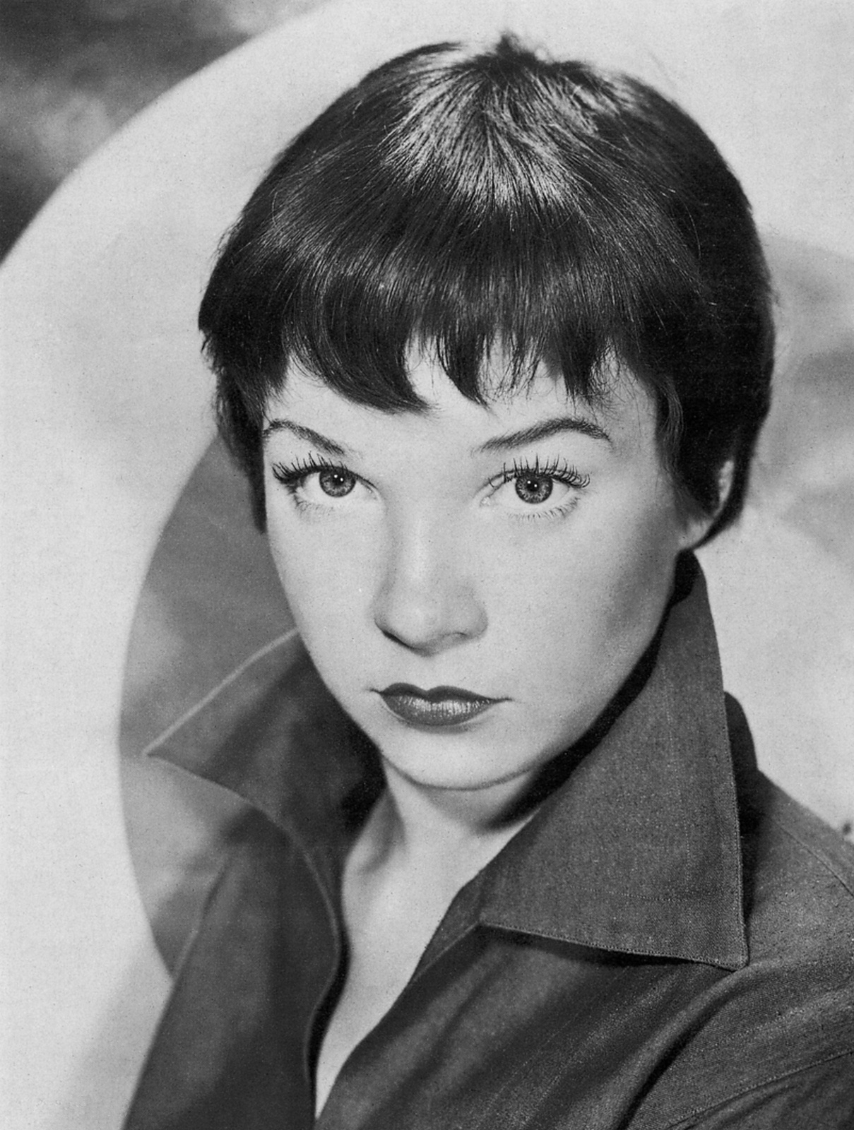 Shirley MacLaine - Picture Gallery
