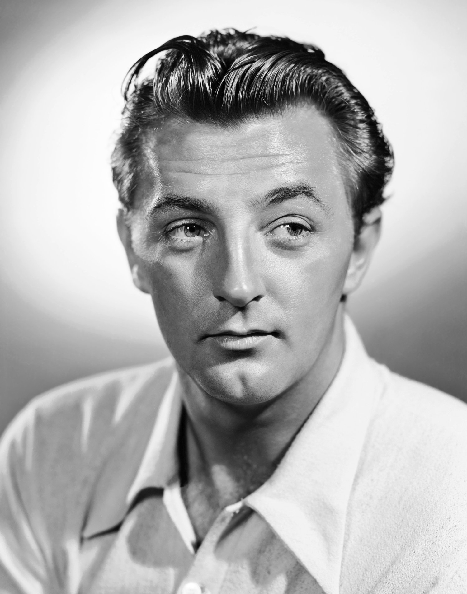 robert mitchum height