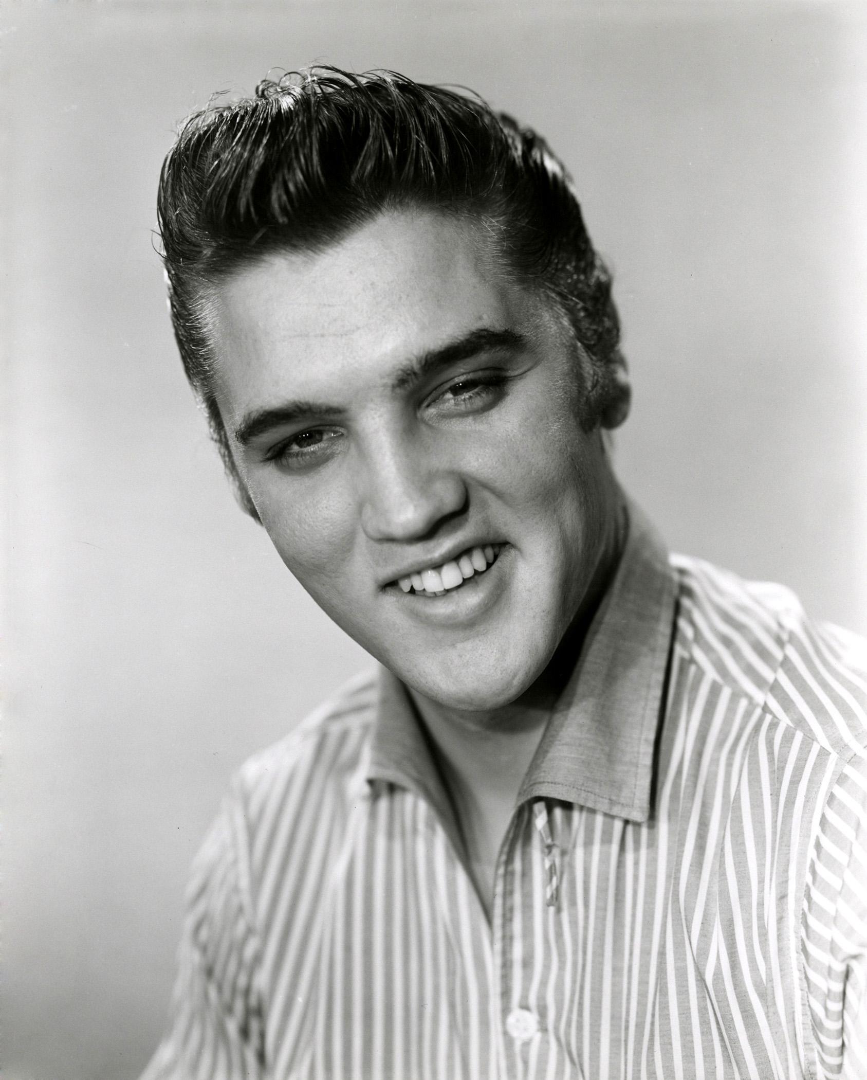 Elvis Presley - Wallpaper Gallery